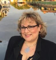 Lynne Oakvik